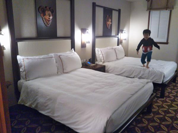 ポイントで無料旅行! ベッド-1 香港の旅行記|香港ディズニーエクスプローラーズ ロッジに宿泊! 香港旅行