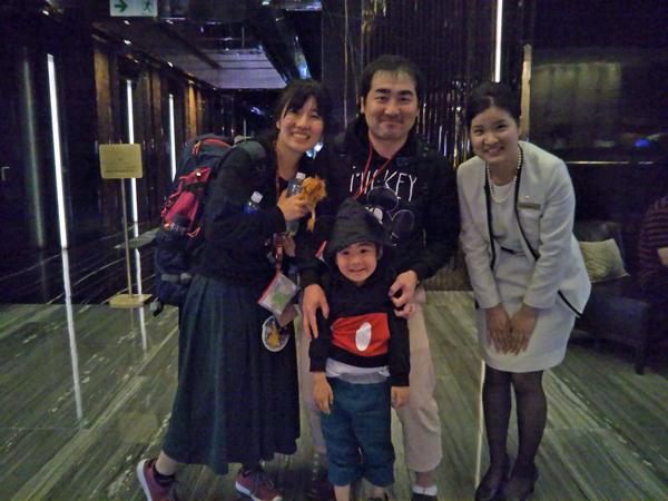 ポイントで無料旅行! リッツで記念写真 香港の旅行記|リッツカールトン香港にSPGアメックスで無料宿泊! 香港旅行