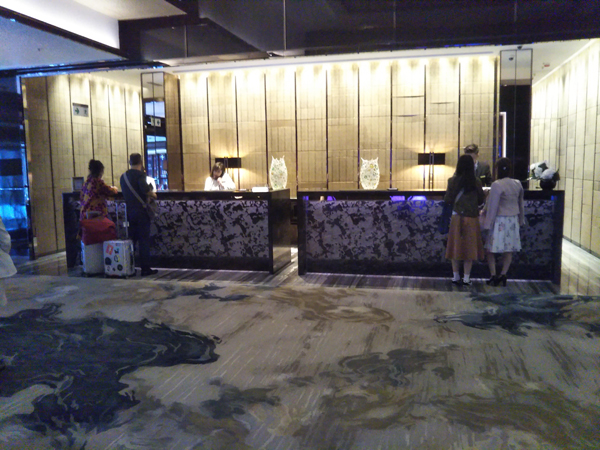 ポイントで無料旅行! 受付 香港の旅行記|リッツカールトン香港にSPGアメックスで無料宿泊! 香港旅行