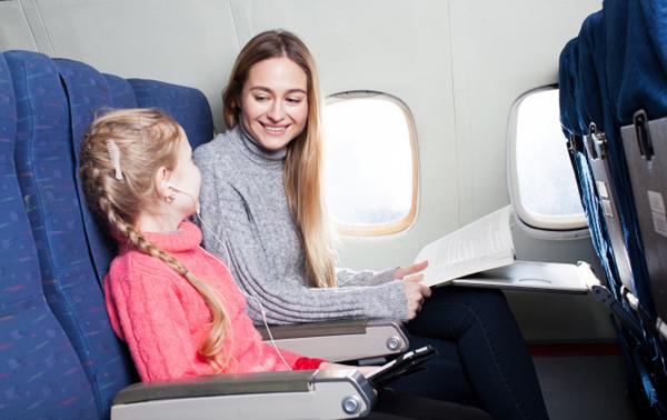 ポイントで無料旅行! 飛行機の座席 SPGポイントは、ホテルに無料宿泊と航空券マイルに交換とどちらがお得? SPGアメックスカードについて