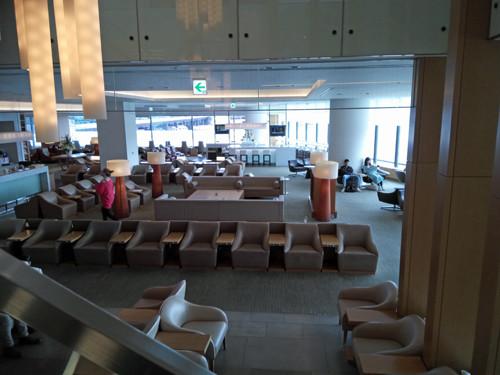 ポイントで無料旅行! 3階の様子 JALのサクララウンジ【成田空港】に行きました!感無量!|7つの利用条件! JALについて
