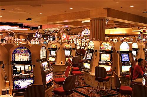 ポイントで無料旅行! カジノスロット ラスベガスのカジノの3つのルールと9つのマナー ラスベガス旅行