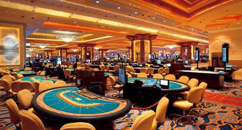 ポイントで無料旅行! カジノテーブル ラスベガスのカジノの3つのルールと9つのマナー ラスベガス旅行