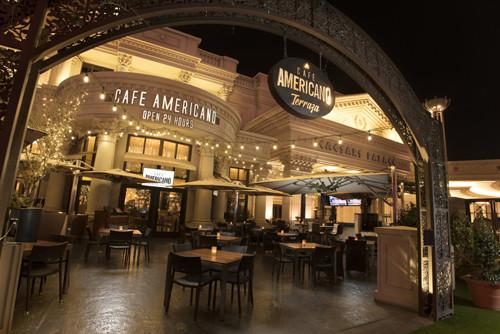 ポイントで無料旅行! cafe_americano_location_night-1030x688 食べること好きな方 必見!逃してはいけないブッフェ ベスト4 ラスベガス旅行